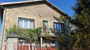 3 bed house with large garden, cellar and barns, Chef Boutonne, Charente