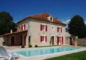 RENOVATED country house with heated swimming POOL and superb VIEWS.