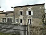 Quaint old stone house, 4 bedrooms, 2 bath, 79220 Pamplie