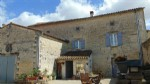 B&B in village with 4 bedrooms, barn and courtyard