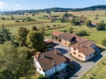 2 properties with outbuildings on 8656 m² of land