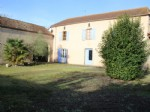 Farmhouse, 3 bedrooms, outbuildings, 2266m² of land.