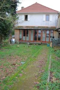 Village house, 2 bedrooms, 182m² of enclosed garden