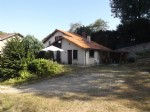 Confolens - 19th Century 3 bedroom house with private garden with barn and views of the river Vienne
