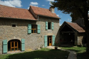 Stone house and barn coversion - 7kms de Villeneuve d'Aveyron