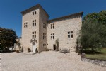 Château XV and XVII century with 8 hectares, pool and 2 cottages