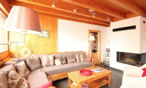 Six Bedroomed Chalet in Les Carroz