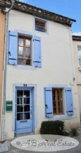 *** Reduced Price *** Nice village house 86m² renovated completely on three levels, 3 bedrooms,