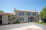 Allionay (79) - Detached stone house with 4 bedrooms, secure gardens