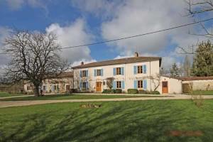 Lezay (79)  - Superb maison de maître with luxury 5 bedroom farmhouse gîte