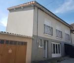 La Trimouille, Vienne 86: village house with garage