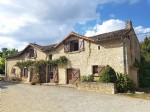 Near St. Savin, Vienne 86: house with guest cottage and pool