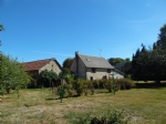 For sale in Puy de Dome, house, garage, barn and garden (1455m2)