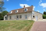 Superb property without any neighbour, with 4 hectares land (10.70 acres), lake, horse boxes
