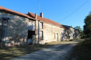 Stones houses, barns, hangar, to restore