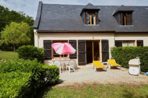 Pretty one-bed holiday home just outside Carlux in the Dordogne