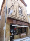 Shop, gallery and 2 apartments in a medieval hilltop town