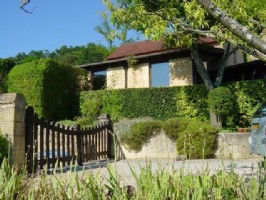 Super stone house with pool and guest house near Belvés