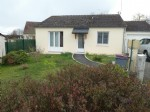 Bungalow with 469m² garden in Sainte-Sévère-sur-Indre