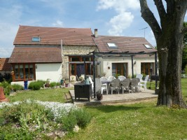 Stunning House and Gite with 5800m² of land.
