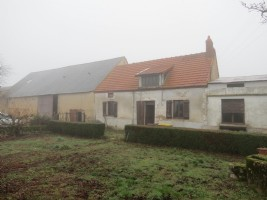Detached 3 bedroom farm house with 51,509m2 of land & no neighbours.