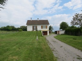 Detached modern 3 bedroom house with countryside views.