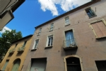 * 2-bed apartment with large garage in Pézenas
