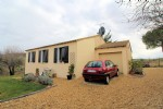Lovely villa on the edge of Gabian near Pezenas. Rare location with stunning views!