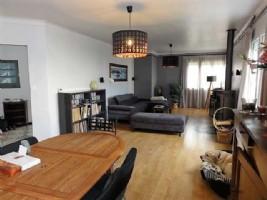 *Superb 4/5 bed modernised villa, village centre, 10 mins from the med, quiet spot.