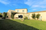 *Modern villa of 165m² with indoor swimming pool and garden of 1035m²