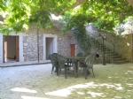 *Delightful old wine growers house with pool, garden and courtyard