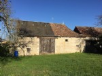 Attractive stone barns to renovate that have enormous potential. CU granted.