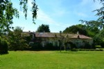 Wonderful estate ideal gites or B & B, there is lots of land and an infinity pool