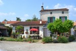 Lovely 4 Bedroomed House With Garden - Close To Ruffec
