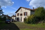 Lovely country house in good condition with large garden