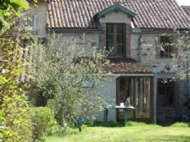 Quiet Hamlet House Close to Amenities in the Haute Vienne