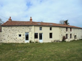 Vendee – Charming Detached Stone Farmhouse