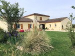 Lot et Garonne: Impressive, Individually Designed Detached Residence
