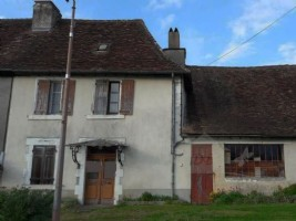 Charming village house to renovate.