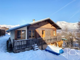 3 bedroom chalet in need of some modernisation, with beautiful views of Mont Blanc.