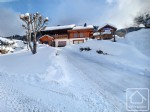 5 bedroom chalet for sale near the Chavannes piste.