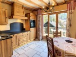 Cosy, renovated apartment on 2 levels, sleeping 4, 300m from the main ski lift.