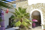 Pretty stone winemakers house with about 400 m² of living space with indoor pool and spa.