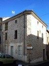 Pretty stone house with 136 m² of living space, garage and sunny terrace !