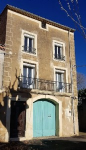 Pretty winegrowers house with 3 bedrooms, garage, convertible attic, terrace and courtyard.