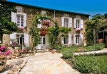 Beautiful character house with main residence, apartment, stables, indoor pool and garden.