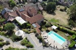 Beautifully renovated farmhouse with gite on a 1429 m² plot with pool and magnificent views !