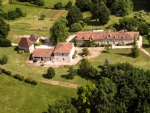 Superb property comprising a huge main house, a guest house or gite with open barn or preau