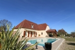 New Perigourine Style House With Cottage And Swimming Pool