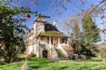 Chartreuse, pigeonnier and barn from XVIIIth century in the middle of 1.3 hectare with swimming-pool
